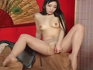Spread pussy in ripped pantyhose